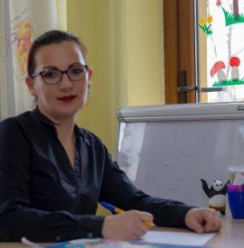 Manea Ionela- educatoare grupa mijlocie