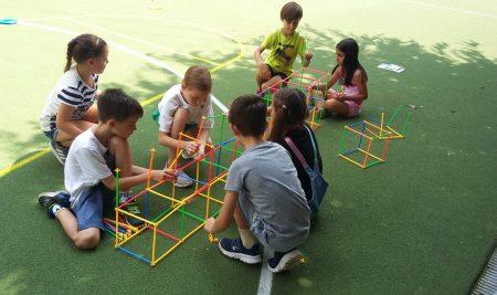 Mecanismul trecerii de la activitatea de joc la invatarea de tip scolar
